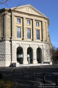 Landgericht Würzburg Alte Fassade Links